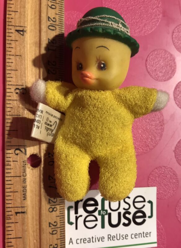 """Vintage Easter Unlimited Matchpack Playful Pets Yellow Duck 2.5"""" Hong Kong"""