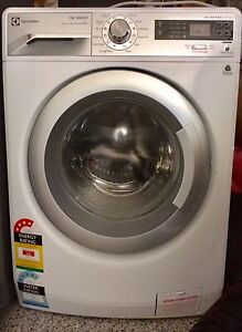 Electrolux 8kg washing machine Southport Gold Coast City Preview