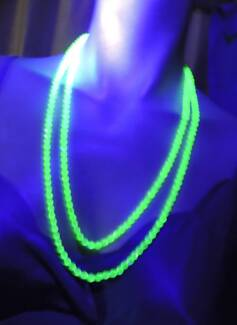"""Uranium Glass necklace 132cm/52"""" faceted beads all glow 260 beads"""