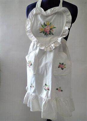 Herzförmiger Tasche (Schöne bestickte Schürze ♡ Herzförmig ♡ ♡ Top-Zustand ♡ Blütenmotive ♡ 2 Taschen)