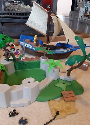 PLAYMOBIL PIRATE SHIP, TREASURE ISLAND, 12 FIGURES, 2 HORSES AND ROWING BOAT