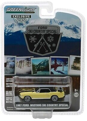 1:64 GreenLight *HOBBY EX* Yellow 1967 Ford Mustang SKI COUNTRY SPECIAL *NIP*
