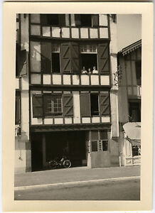 photo ancienne maison alsace mobylette boutique photo vintage snapshot ebay. Black Bedroom Furniture Sets. Home Design Ideas