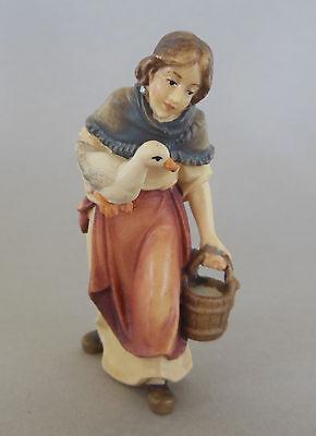 Hirtin mit Wassereimer und Gans für Krippenfiguren Größe 8 cm, Holz bemalt TB08