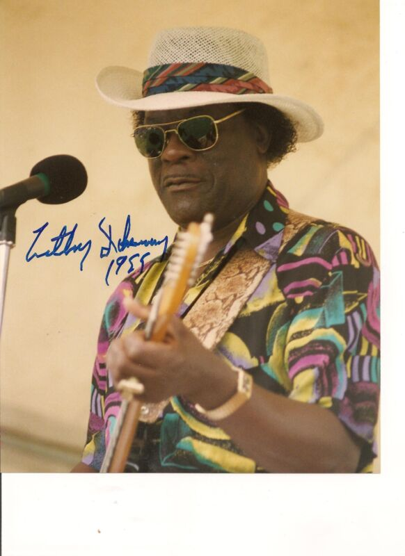"""LUTHER """"GUITAR JUNIOR"""" JOHNSON HAND SIGNED AUTOGRAPED 16""""x24"""" COLOR PHOTO-BLUES"""