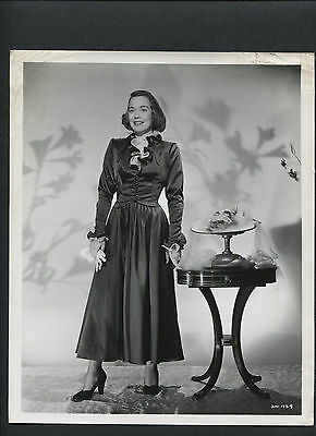 YOUNG JANE WYMAN IN OLD FASHIONED DRESS - 1940s - PRESIDENT RONALD REAGAN 'S EX