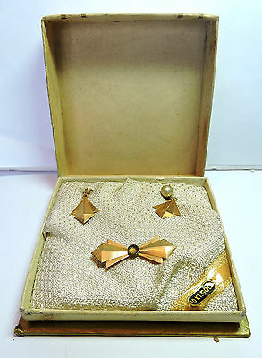 NOS w defects Antique 10 k Yellow Gold Faux Pearl Earrings & Pin Set Box EST700