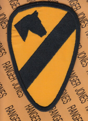 "COMBAT Side 1st Cavalry Division 5"" patch c/e"