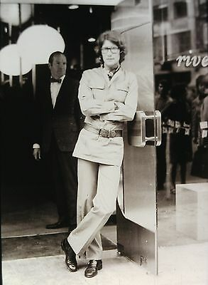 YVES SAINT LAURENT in his Boutique in Rue de la Boetie - Original 35mm B/W Slide (Boutique Yves Saint Laurent)