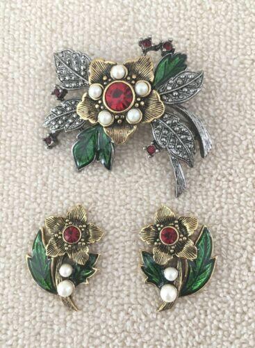 Avon Signed Rich Christmas Brooch Pin & Pierced Earrings Flower Set 1993 Vintage