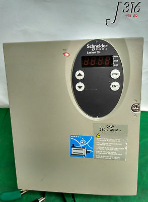 9714 SCHNEIDER ELECTRIC FREQUENCY CONVERTER LXM05BD34N4
