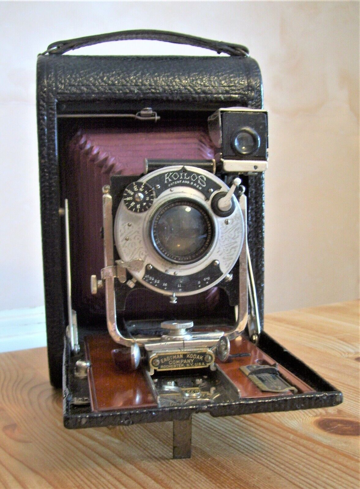Antique (1902) Kodak No 4 Folding Pocket Camera - Model B