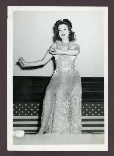 """Vintage WWII Sexy Hula Dancer Real Photo, 5"""" x 7"""" Clear, Nice Cond"""