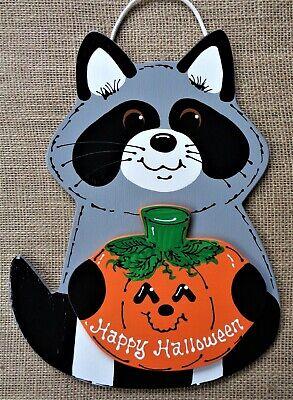 RACCOON HAPPY HALLOWEEN SIGN Seasonal Fall  Wall Art Door Wood Hanger (Happy Halloween Plaque)