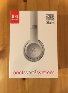 $155 OFF SEALED BOX SILVER beats Solos3 SPECIAL EDITION! 1 left!