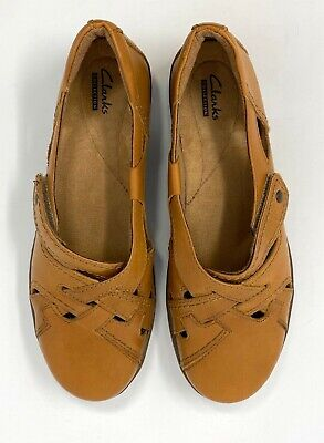 Clarks Collection Tan Slip On w/ Adjustable Velcro Strap Women's Shoes Size 8.5M