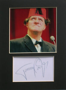 Tommy Cooper mounted 8x6 signed autograph photo display
