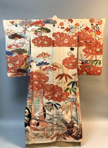 Spectacular silk embroidered Kimono. 1880-1900s Meji period. HH59