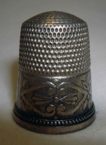 Vntg Sterling Silver Bell Flower mark 11 Fancy Etched Cut Design Sewing Thimble