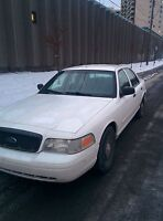Ford crown vic police pack 2008 échange