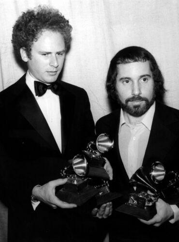 Simon & Garfunkel -  MUSIC PHOTO #29