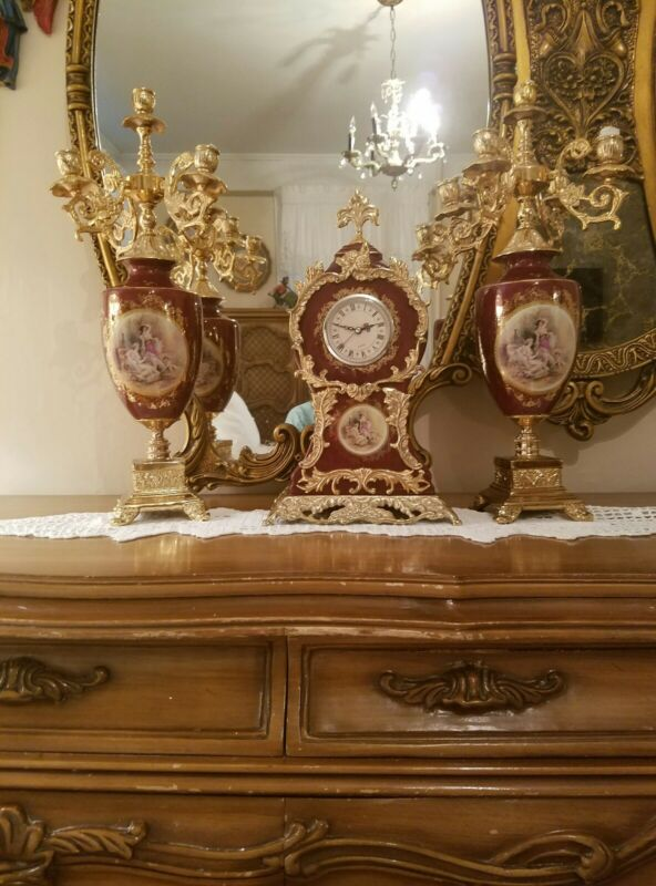 ANTIQUE VICTORIA SCENE ITALIAN VINTAGE  CLOCK SET & CANDLE HOLDER GOLD BURGUNDY