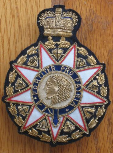 Society of Colonial Wars crest badge jacket medallion medal emblem vintage