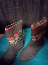 TOMS suede jacquard uggs (size 7.5) Seaford Frankston Area Preview