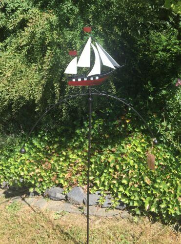 Windspiel Wippe * Segelboot rot* ArtFerro Handarbeit Metall Gartenstecker Schiff