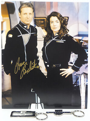 BABYLON 5 : JOHN SHERIDAN WITH SUSAN IVANOVA PHOTO SIGNED BY BRUCE BOXLEITNER
