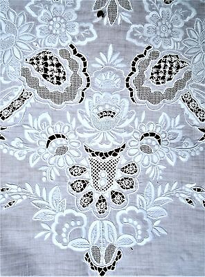 "Antique Italian linen lace tablecloth & 11 napinks 116"" x 66"""