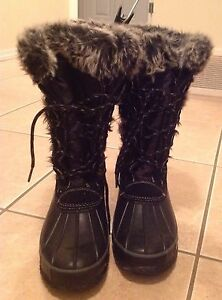 WOMEN WINTER BOOTS SIZE 10 FOR SALE!!!