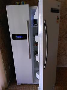 Double doors fridge freezer for sale Sunnybank Hills Brisbane South West Preview