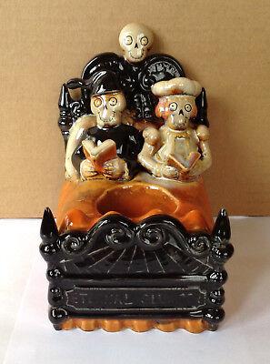 "2010 YANKEE CANDLE BONEY BUNCH COUPLE IN BED ""ETERNAL SLUMBER"" TEA LIGHT HOLDER"