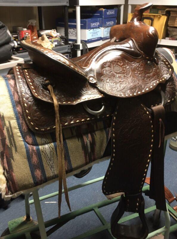 Red Ranger Western Saddle