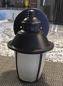 Outdoor Wall Lanterns (x4)