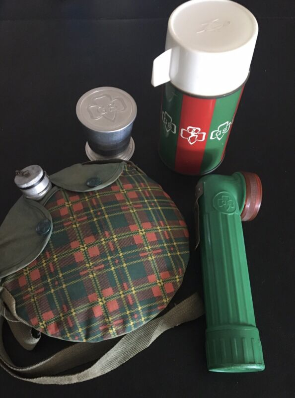 4 VINTAGE GIRL SCOUT CAMPING ITEMS-THERMOS-FLASHLIGHT-CANTEEN-FOLDINGCUP-1960's