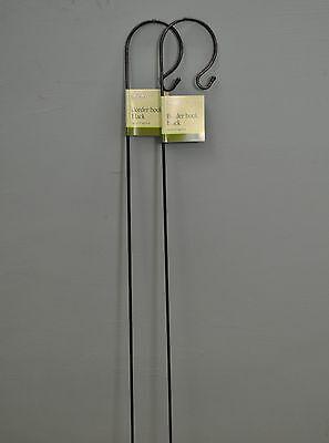 2 x Gardman Shepherd's Crook Hook for Bird Feeders & Garden Candle Lanterns 1m