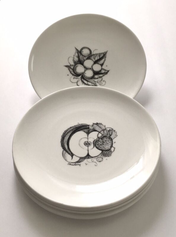 5 pc vintage Susie Cooper Pottery Bone China England / Black Fruit salad plates
