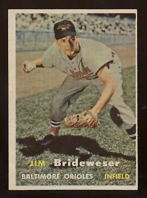 1957 Topps #382 Brideweser in ExMt plus Condition