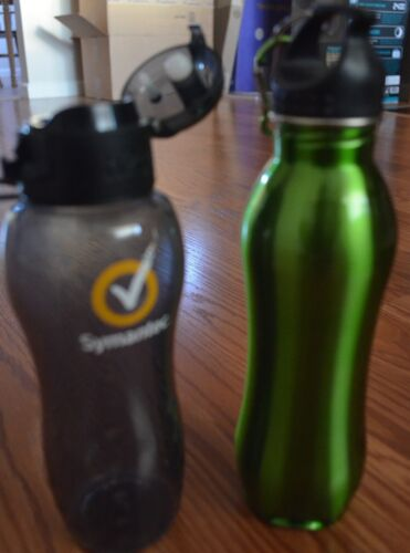 Lot of 2 Water Bottles 12 oz BPA Free & 700 ml stainless steel! Good condition!!