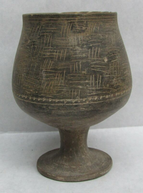 200-400 AD KUSHAN EMPIRE GANDHARA EARTHENWARE CHALICE STEMMED CUP