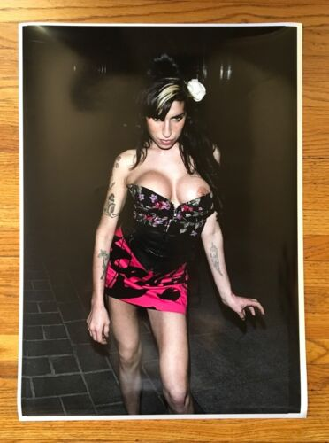 AMY WINEHOUSE RISQUE LIMITED EDITION ARCHIVAL PHOTOGRAPHIC ROBERTO RABANNE PRINT