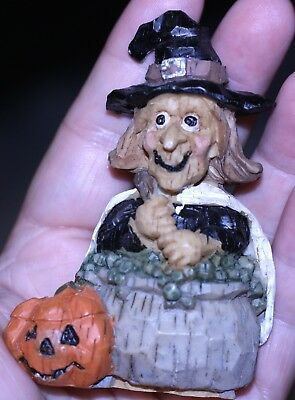 vintage Halloween Resin smiling Witch w/cauldron pumpkin see pic for - Pumpkins Halloween Pics