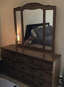 4 pc Bedroom dresser set $100 for ALL