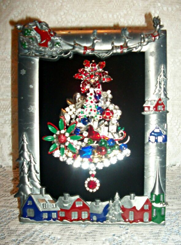Vintage Jewelry Art Framed Christmas Tree ***FREE SHIPPING*** 346