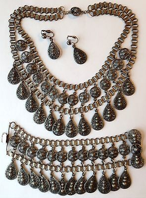 VINTAGE ART DECO ETRUSCAN DANGLING SILVER TEXTURED BOOKCHAIN NECKLACE SET