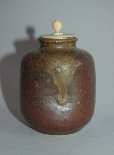 Chaire stoneware tea caddy, possibly Seto ware, Japan