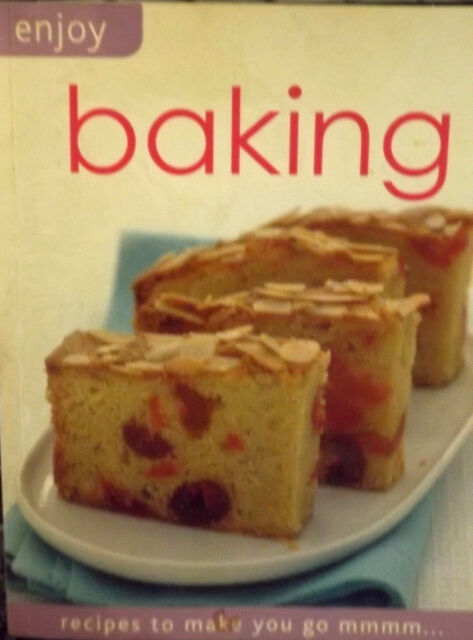 BAKING BOOK FAVOURITE RECIPES TO MAKE YOU GO MMMM... PAPERBACK 224 PAGES