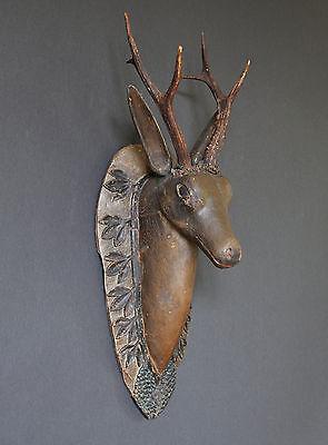 Rehkopf, holzgeschnitzt, ca. um 1800, alpenländisch, 60 cm hoch, alte Fassung